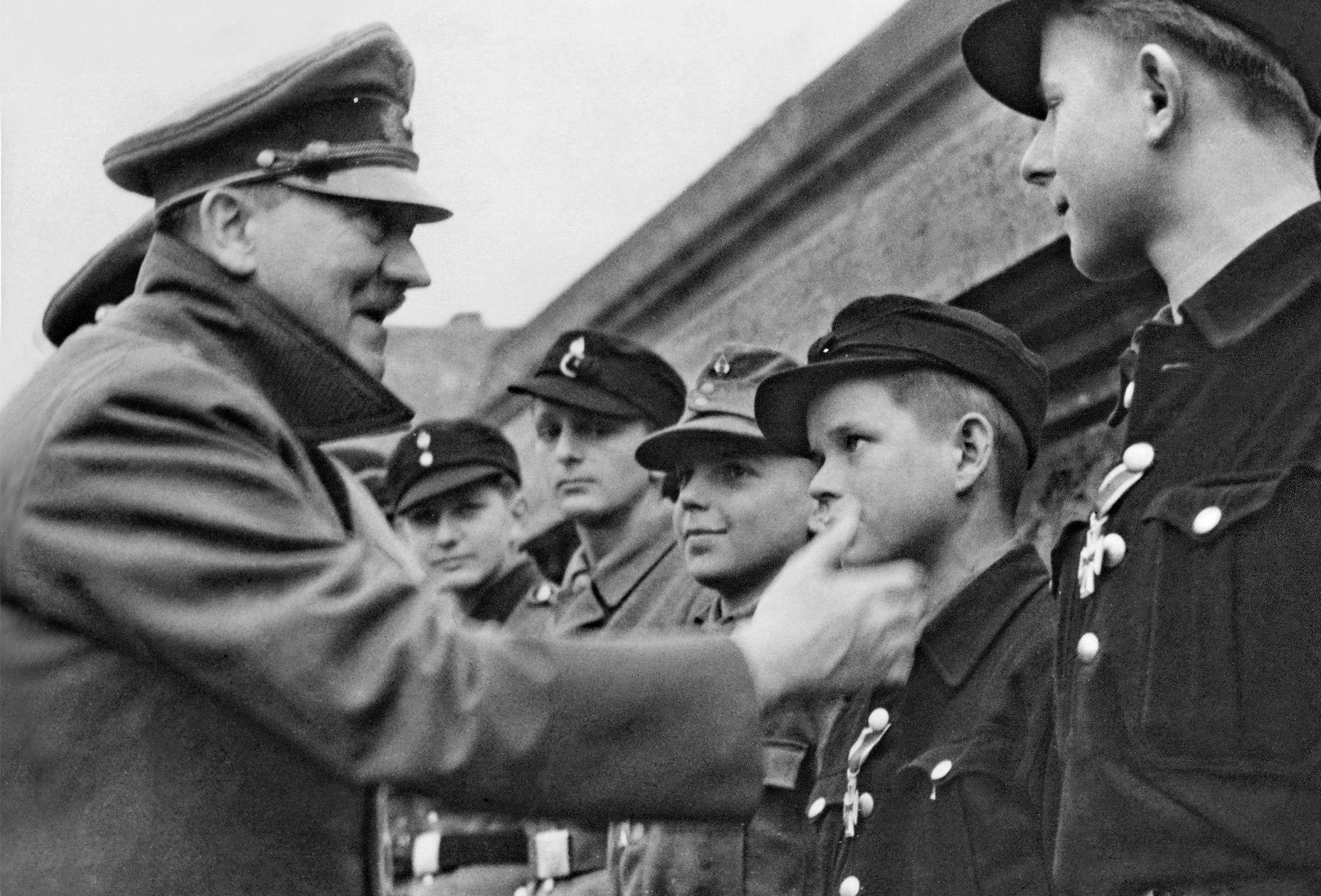 Солдат имеет мальчика 19 фотография