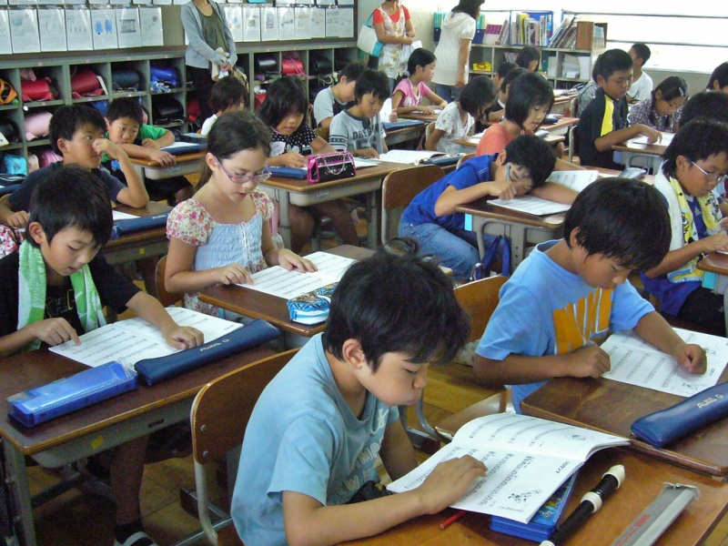 japanese education Higher education in japan for international students facts about education in japan why study in japan educational system school system.